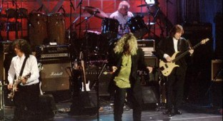 File of Led Zepplin performing together during introduction ceremonies for the Rock and Roll Hall of Fame in New York