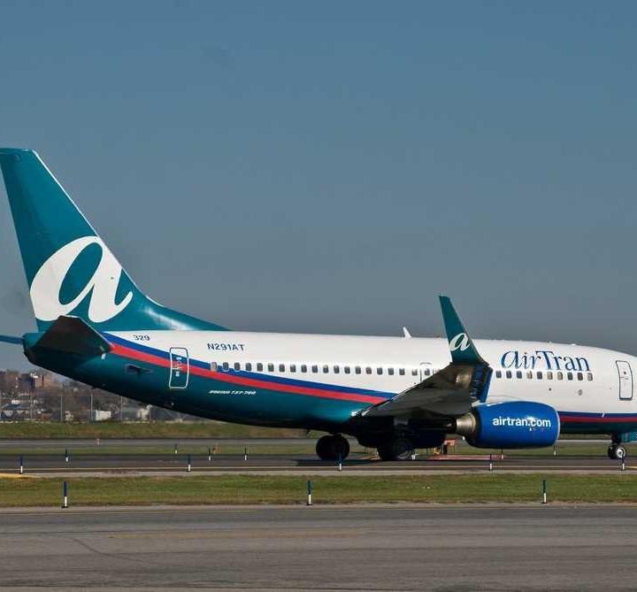 airtran airplane