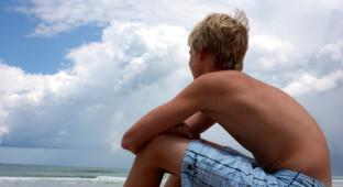 KID BEACH THINKING