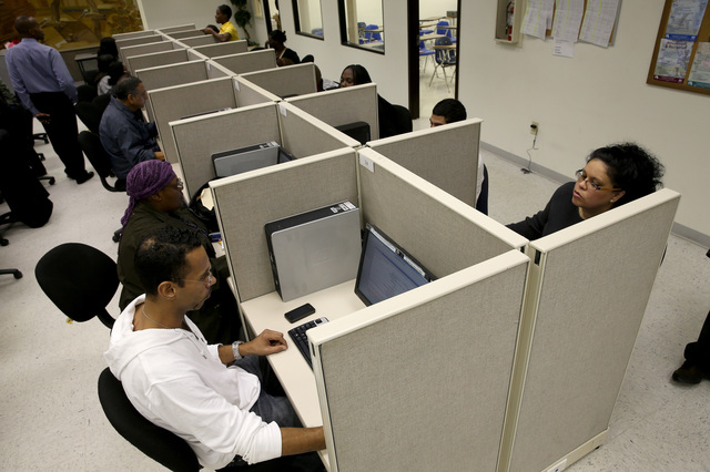 As Lawmakers Vote On Extending Unemployment Insurance, Job Seekers Look For Work In Miami