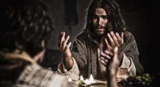 Graded_TB_Day17B_041712_CC_D3S7724 - Jesus (Diogo Morgado) at the Last Supper.