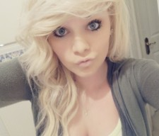 gorges-girl-blond student