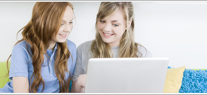 TEEN GIRLS COMPUTER SKINCARE