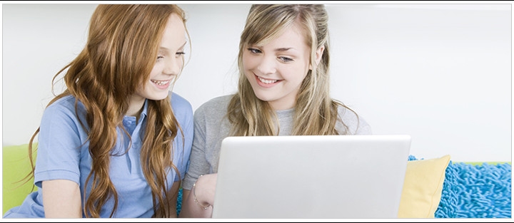 TEEN GIRLS COMPUTER SKINCARE