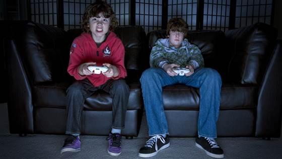 BOYS GAMING MIDDLESCHOOL