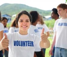 HOT millenial- volunteer