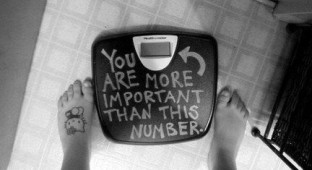 2 TEEN BODY IMAGE YOUTH CULTURE