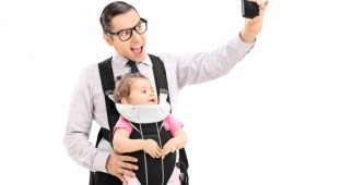 dad-taking-a-selfie-with-baby