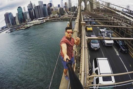 selfie stupid