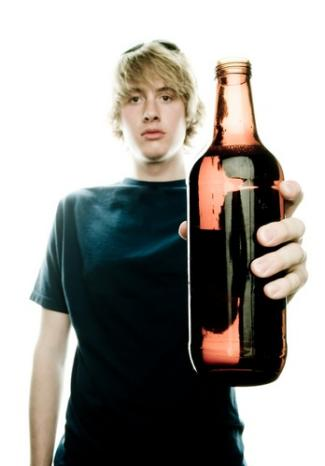 underage teen drinking325x466