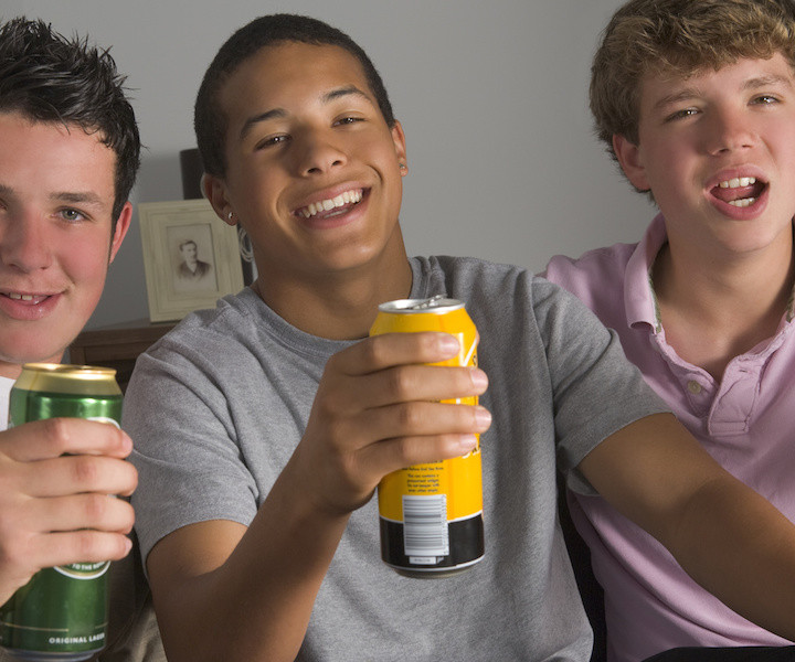 causes of teenage drinking Causes of underage drinking young people can begin using alcohol for a  number of reasons the most common causes of underage drinking include.