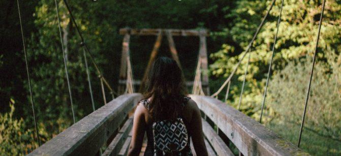 girl_on_bridge