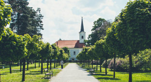 ys-blog_750x300_parents-different-church