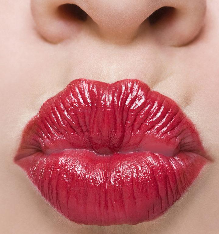 kiss-sex-love