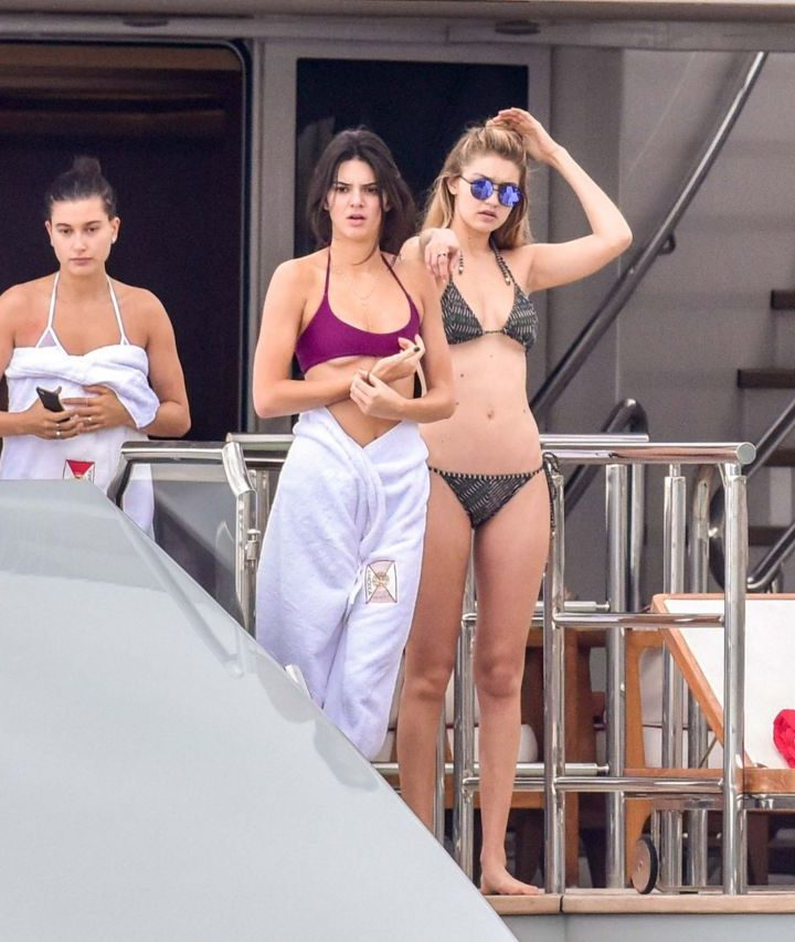 kendall-jenner-bella-hadid-gigi-hadid-hailey-baldwin-on-a-yacht-in-monte-carlo-may-2015_1