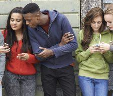 Gen z cell Teen Text