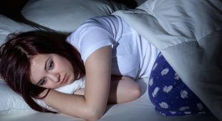 Woman cant sleep at the night because of her problems