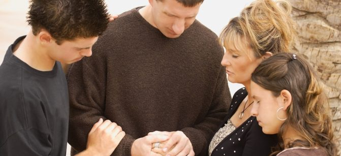 Parents pray family