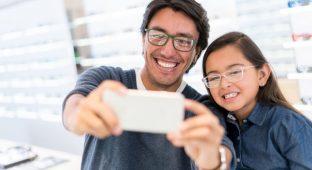 Dad daughter cell selfie parent