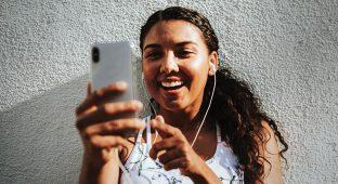 Cell  social media girl smile